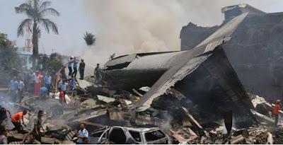 Pesawat TNI Hercules Jatuh Bebas di Jalan Raya Kota Medan