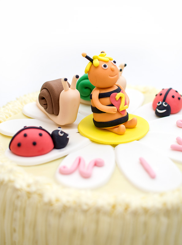 Bee Maya cake side close up