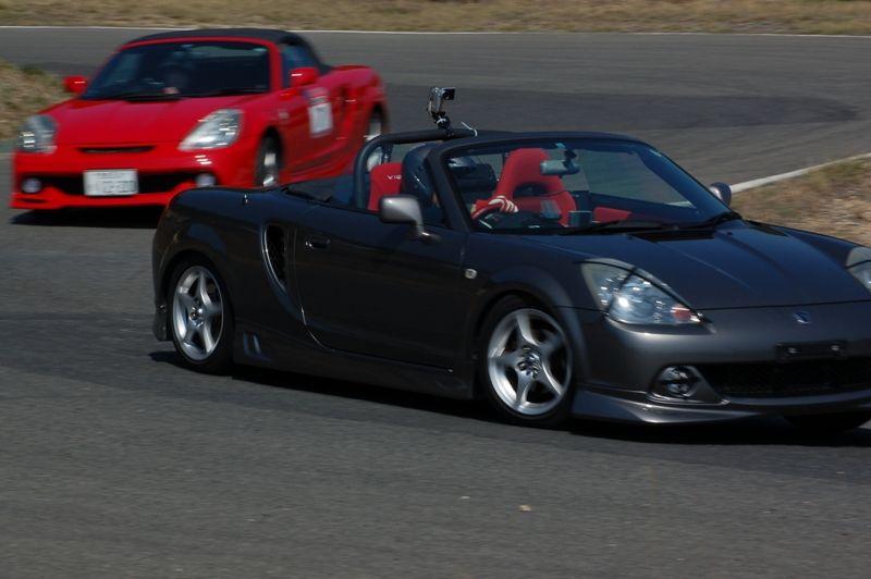 Toyota MR2, ZZW30, ściągany dach, japońska motoryzacja, foto, modyfikacje, sport, jazda po torach wyścigowych, Japonia