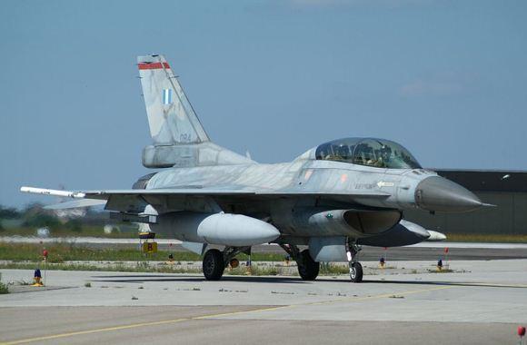 F-16D Yunani