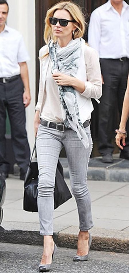 Kate Moss stylish street style light color outfit with printed scarf