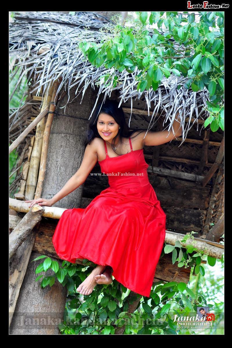 Sri Lankan  sexy model Chathu Paba Dilhara