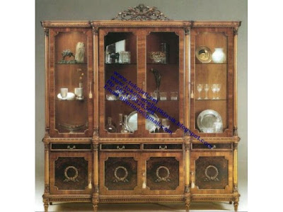 Mebel klasik,jual mebel jepara, Kabinet ukiran Kabinet jati jepara jual mebel jepara classic antique ukir jati Duco French code kabinet ukir 0118