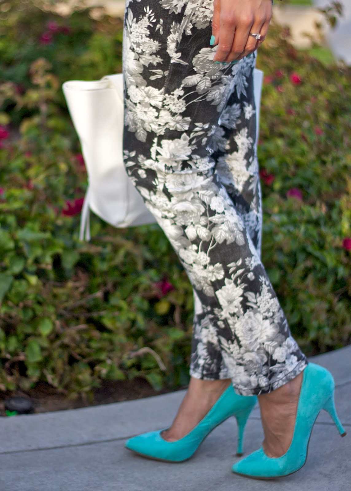 Mint pointy pumps, how to wear Mint pointy pumps, mint pointy heels