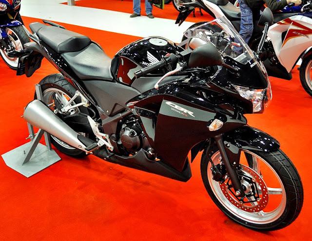 Foto Honda CBR 250R 2011