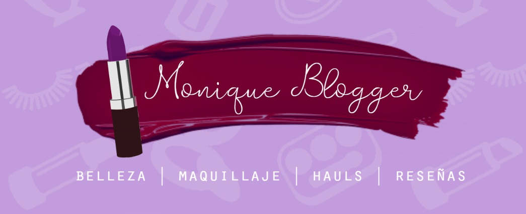Monique Blogger