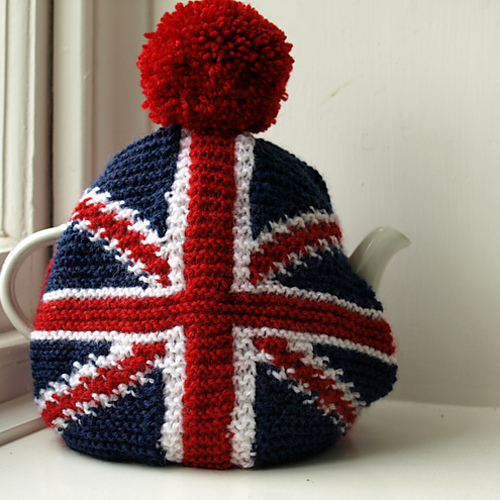 Craft union jack tea cosy knit patterns 31 daily as we turn our eyes toward london and the 2012 olympics here are some creative ways to keep your party rolling i love tea cosies and am acquiring a small dt1010fo