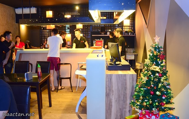 From the previous more home-styled decor, the new Andes BYO now incorporates a more open dining concept
