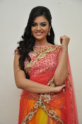 sri mukhi glam pix in half saree-thumbnail-6