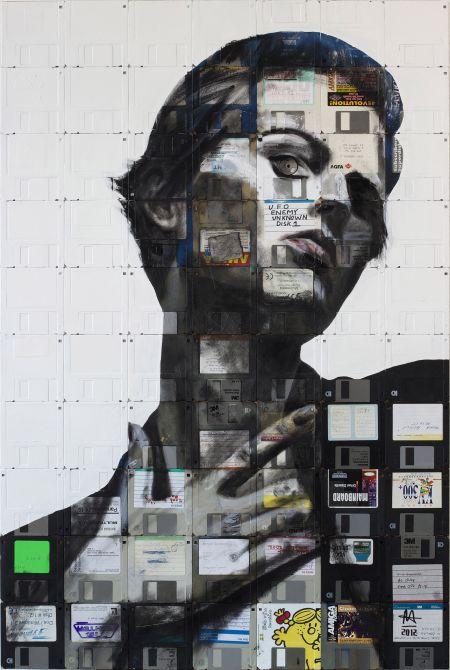 Nick Gentry pinturas retratos em disquetes