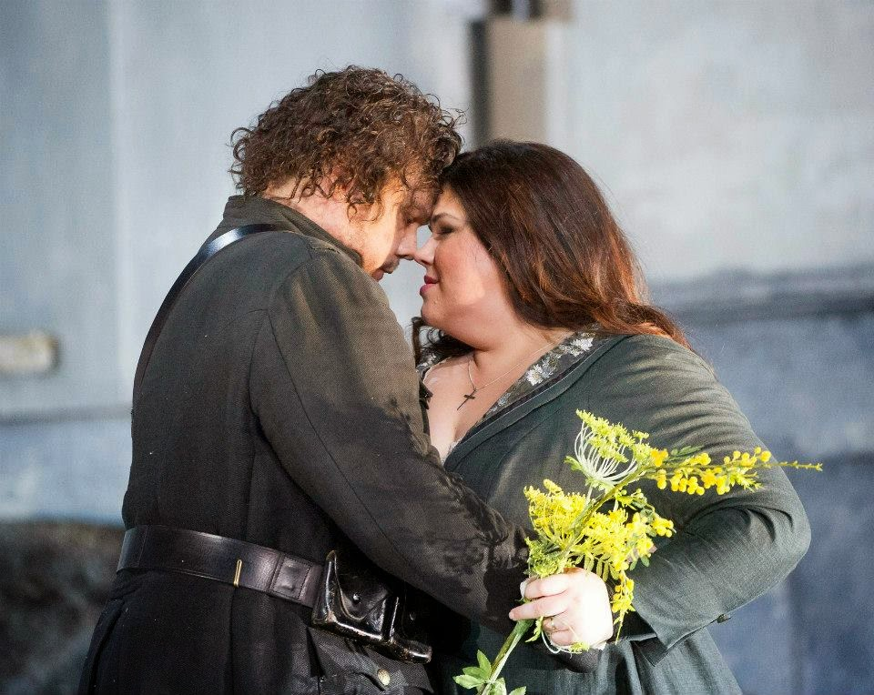 Stuart Skelton and Leah Crocetto - Verdi's Otello - English National Opera - photo credit Alastair Muir