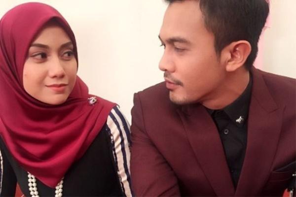 Kisah Cinta Berakhir! Mia Ahmad Padam Gambar Syarul Ridzwan?