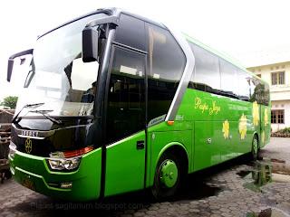 Gambar Bus Pariwisata Puspa Jaya