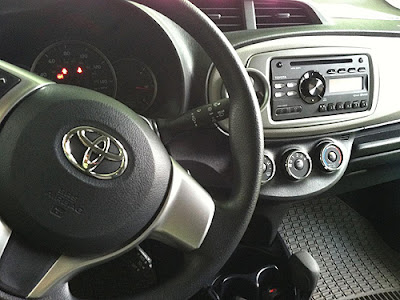 2012 Toyota Yaris interior