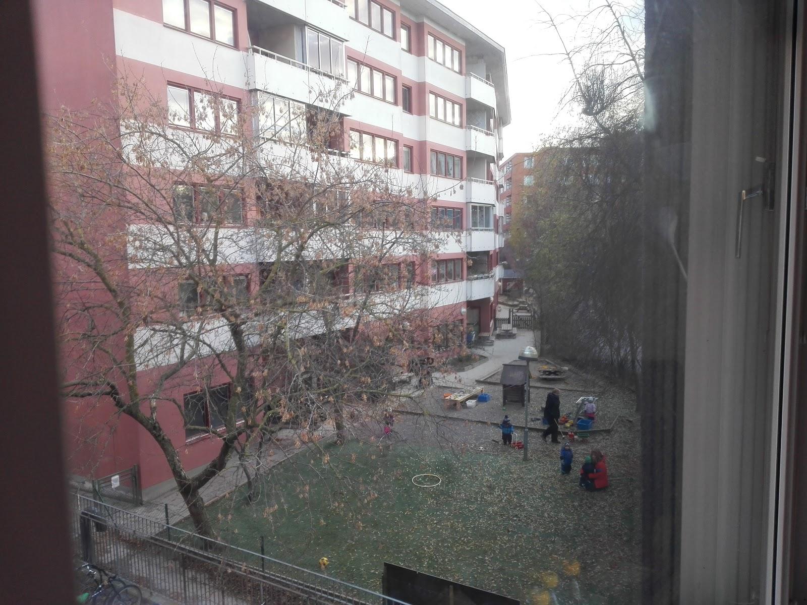 Песню в этот день за окном еще не зима