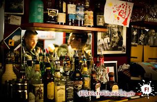 6. Culture Bar-bars reclama la dimensión cultural y social de los bares, como punto de encuentro entre los ciudadanos.