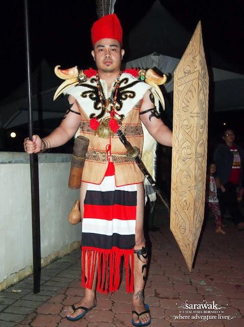 Lun Bawang man in his warrior costume - Sarawak Malaysia Borneo