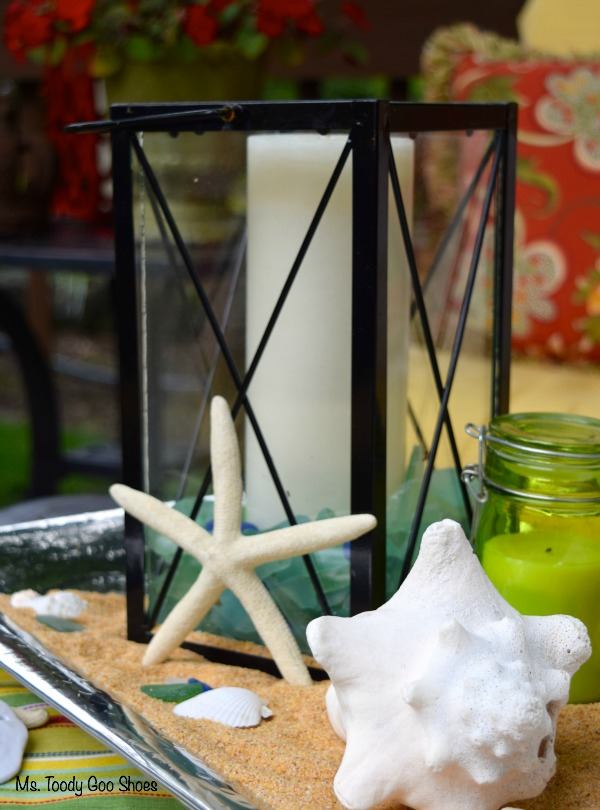 An easy beach-themed centerpiece to get you in the mood for summer! | Ms. Toody Goo Shoes