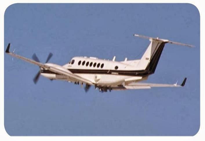 Самолет с системой радиоразведки и пеленгования в полете