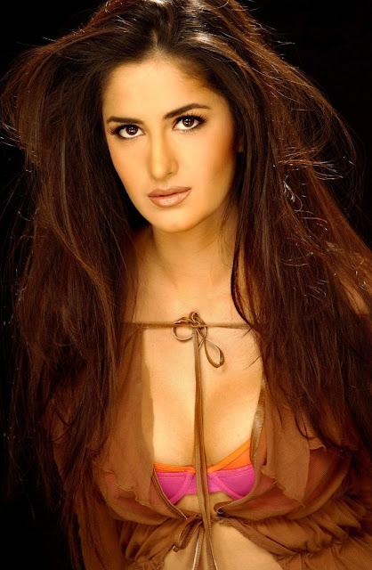 katrina kaif boobs hot cleavage