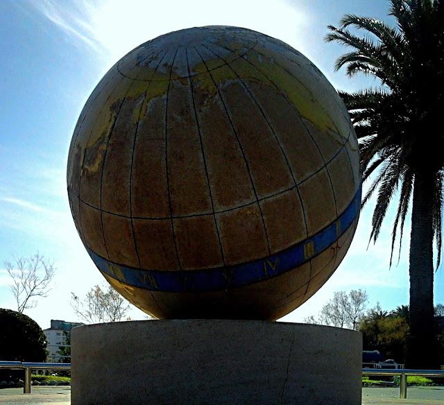 Bola del Mundo Jardines de Piquío Santander