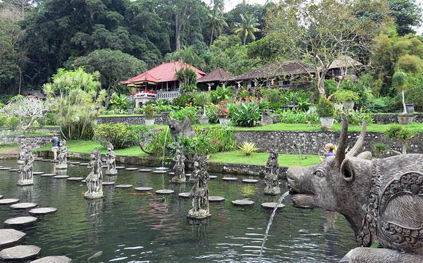 Istana Air Tirta Gangga