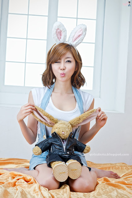 Choi-Byul-I-Denim-Overall-Skirt-16-very cute asian girl-girlcute4u.blogspot.com