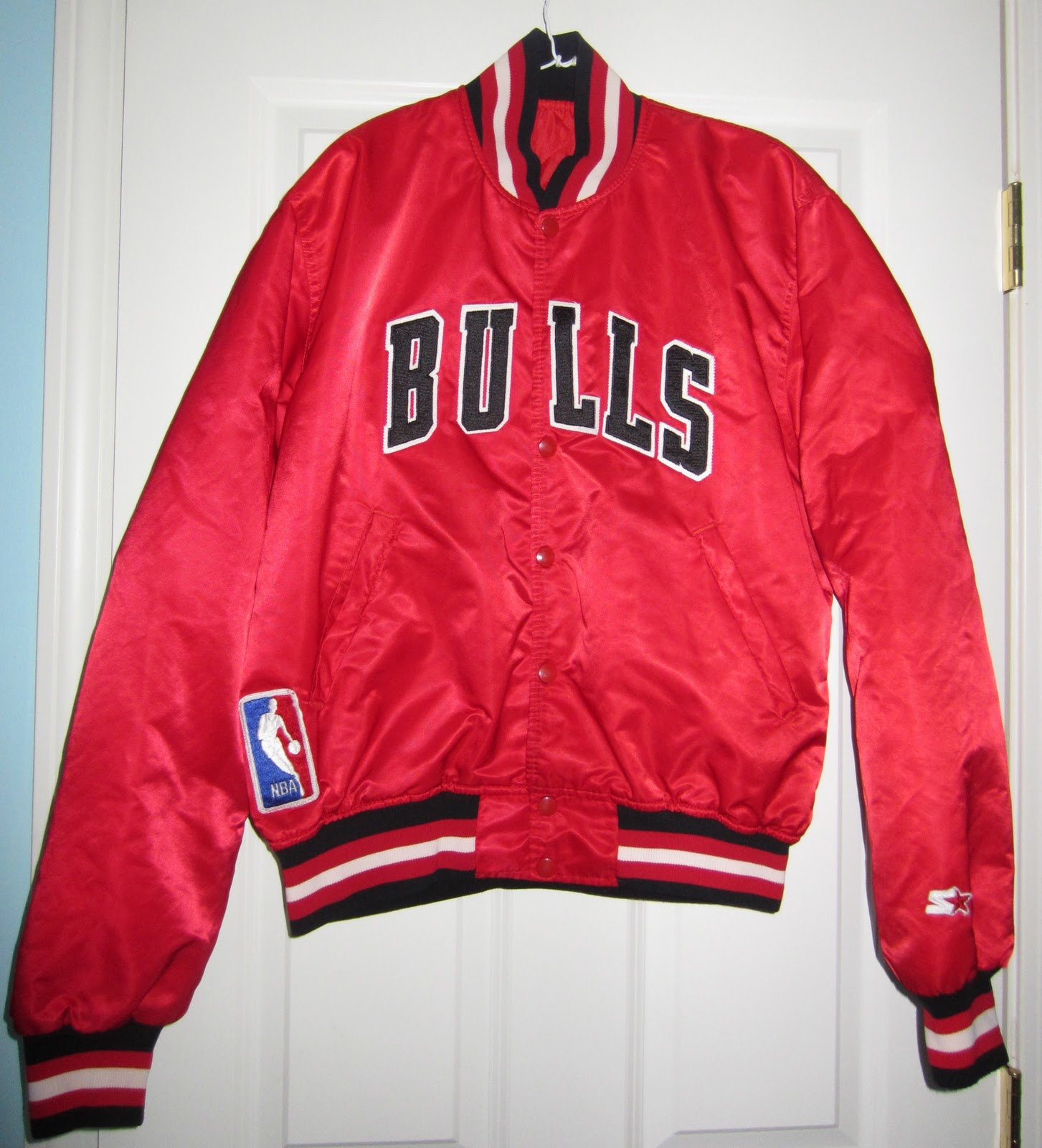 Vintage Sports Apparel: Vintage Chicago Bulls Satin ...