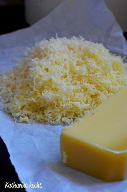 Käsecräcker Goldfischli geriebener Käse Sesam Mohn Post aus meiner Küche Kindheitserinnerungen Knabberkram