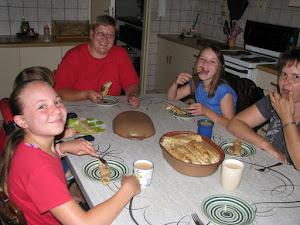 Die eerste groot reën van die 2012/13 seisoen word met pannekoek gevier.