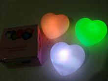 LAMPU LOVE NYALA 7WRN