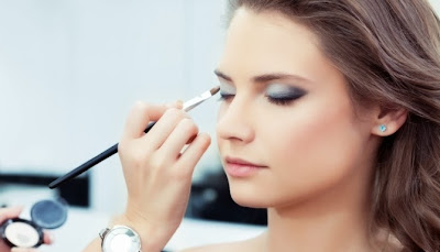 Tips Make Up Natural Untuk Cantik Alami