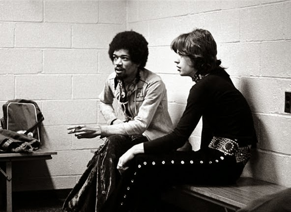 64 Historical Pictures you most likely haven't seen before. # 8 is a bit disturbing! - Jimi Hendrix and Mick Jagger
