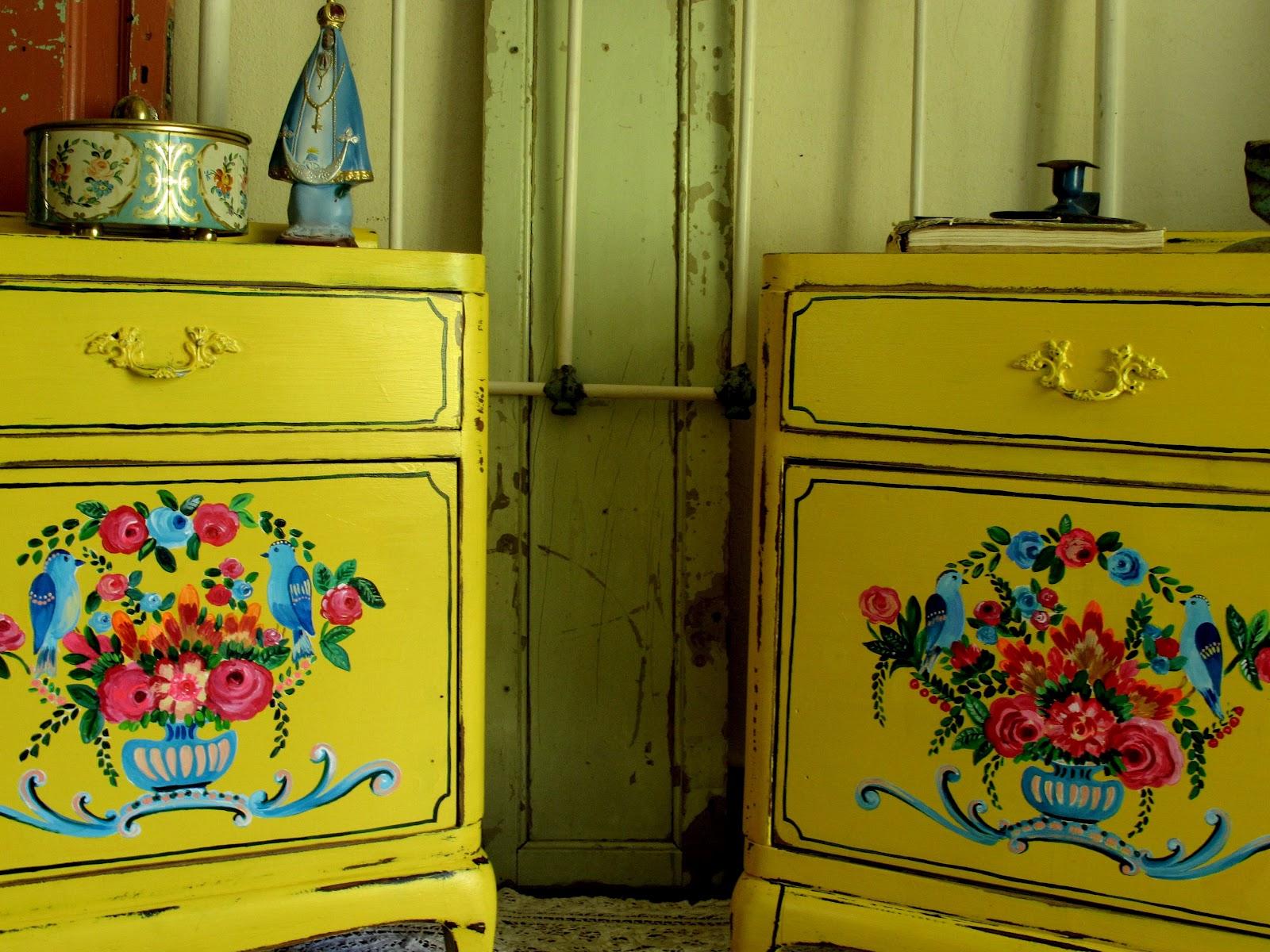 Las vidalas muebles restaurados y pintados - Muebles de mimbre pintados ...