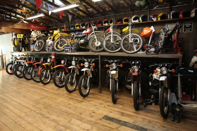 Awesome Motorcycle Garage Concept - SaturnOfSouthlake