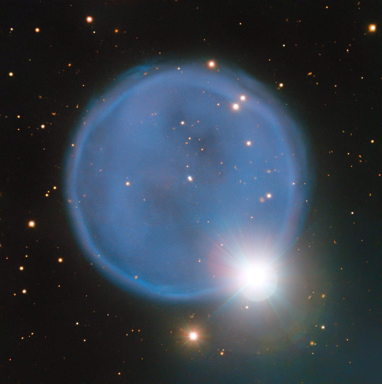 http://newswatch.nationalgeographic.com/2014/04/10/sea-serpent-eats-cosmic-diamond-ring/?utm_source=Facebook&utm_medium=Social&utm_content=link_fb20140411ngnw-seasert&utm_campaign=Content