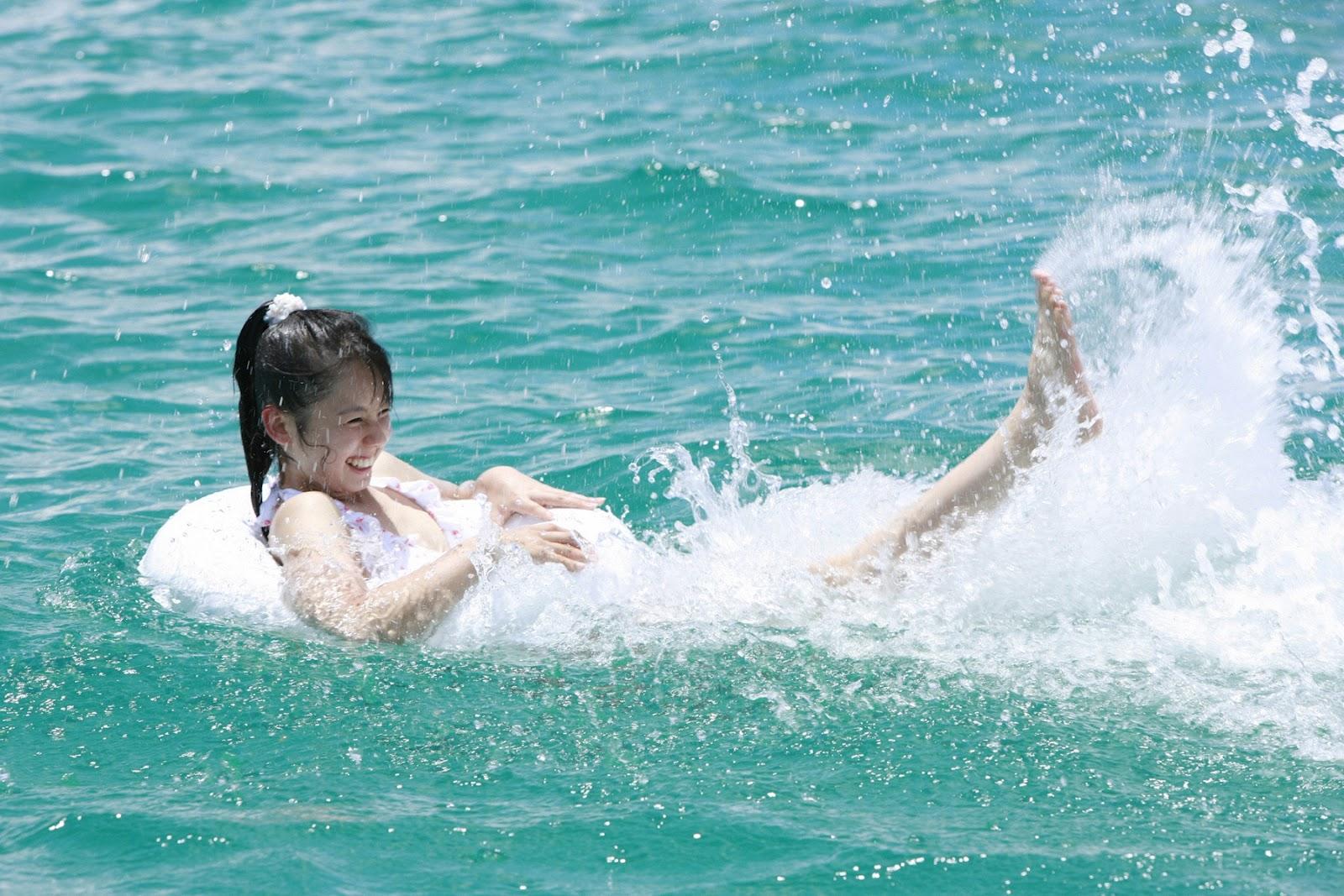 rina koike sexy beach bikini photo 03