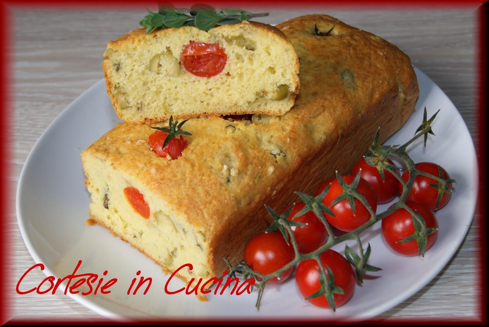 cake salato con pomodorini olive verdi e carciofini