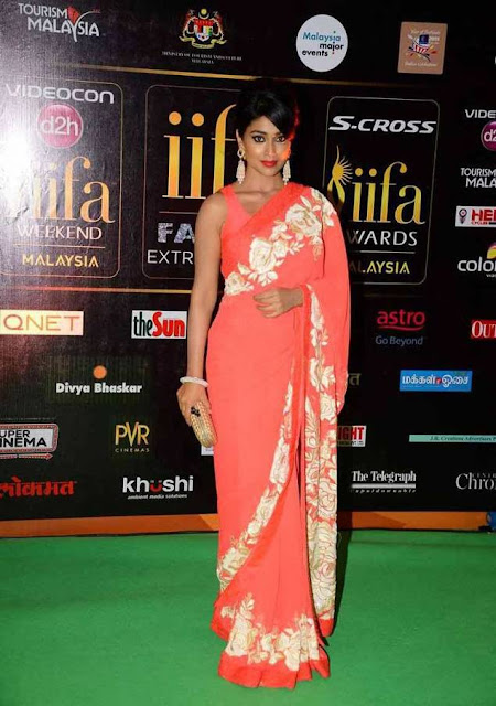 Shriya Saran Stills At IIFA Awards 2015