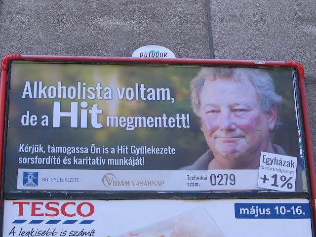 alkoholizmus, Hit Gyülekezete, Budapest, Magyarország, Pállfy István, street art, Outdoor Media, óriásplakát, közterületi reklám, vizuális környezetszennyezés