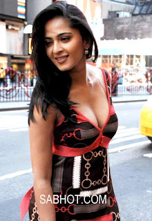 Anushka Shetty Unseen Hot Sexy Photo Gallery Wallpaper8