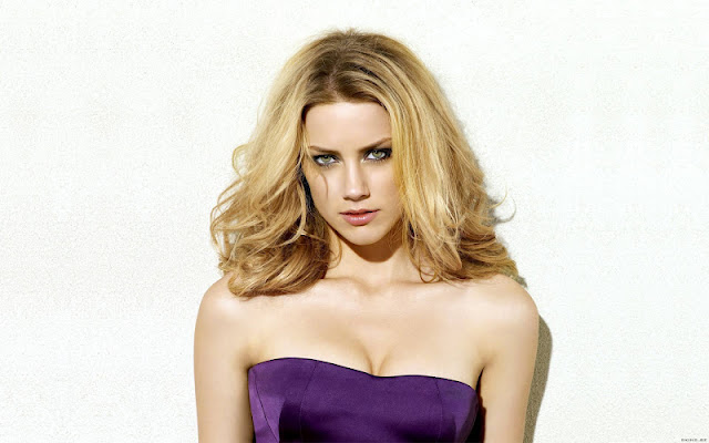 Model Amber Heard