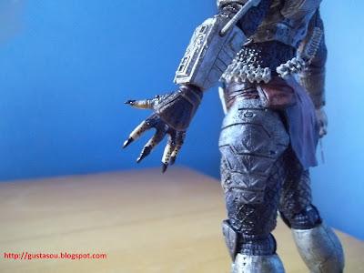 Visão da mão esquerda do Predador.