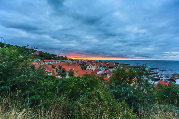 Amalie loves Denmark - Sonnenuntergang in Gudhjem auf Bornholm