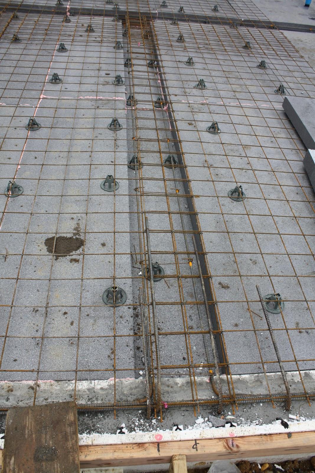 pour strip for concrete wall