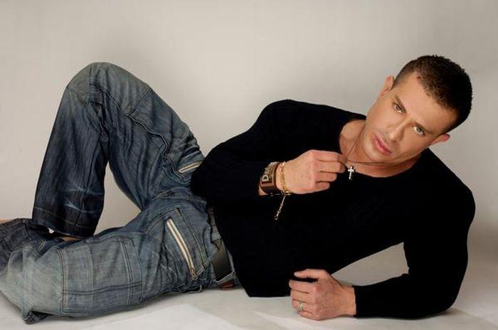 Модель и актер Мухтар Сафаров рассказал о своих эротических шоу - ФОТО.