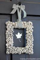 http://www.mabeyshemadeit.com/acorn-wreath/#sthash.kORNnbi9.dpbs
