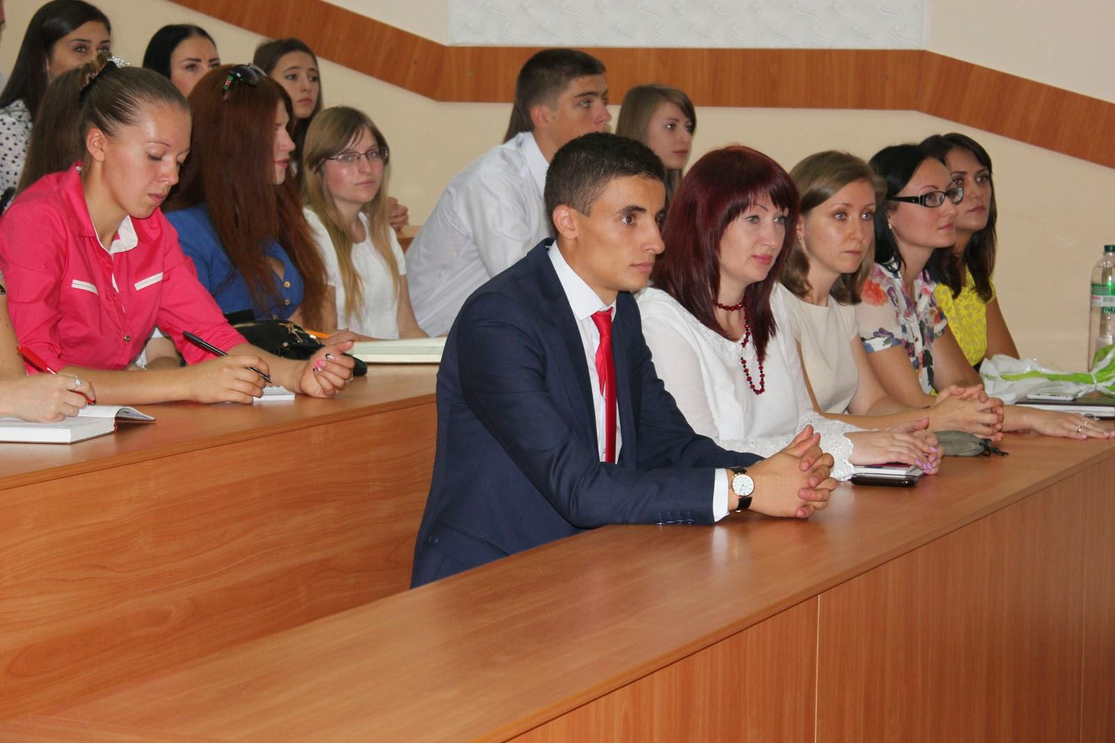 Посвята у студенти на обліково-фінансовому факультеті. Фото 2.