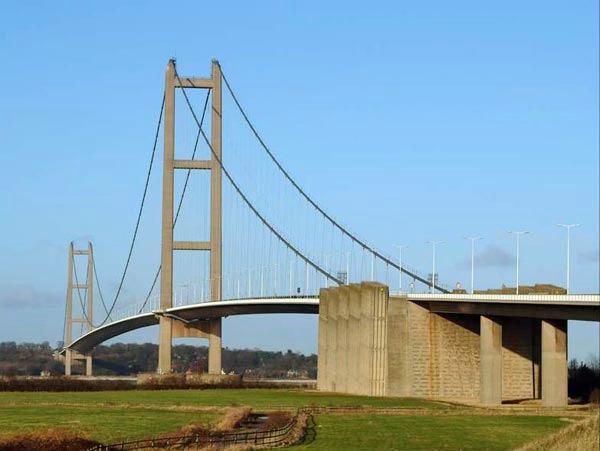 Humber Bridge, England – 1,410 m