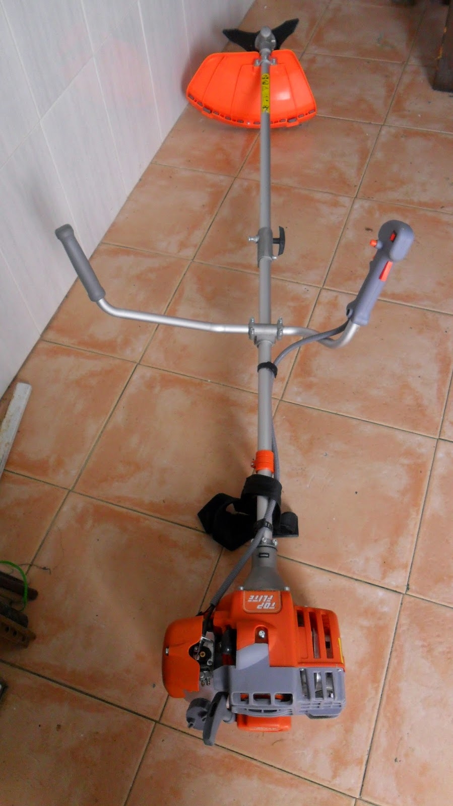 Digame: For Sale a garden strimmer